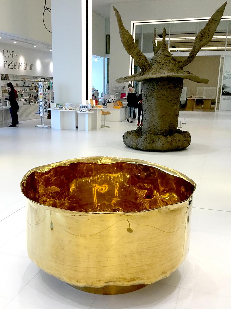 中原浩大の「金椀」(静岡市美術館「起点しての80年代」)